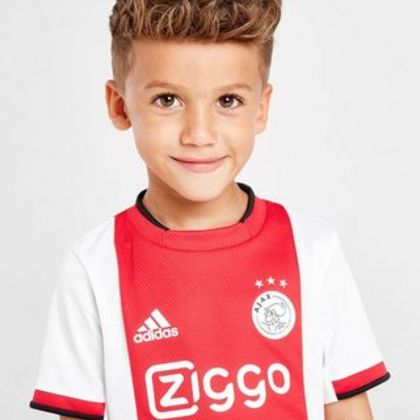Ajax shirt kind